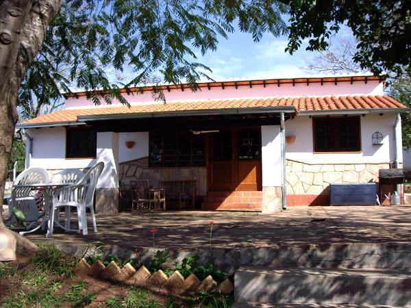Mbuni Straußenfarm und Ferienanlage in Paraguay