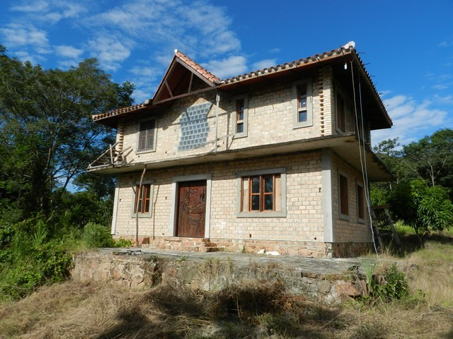 Anwesen mit 5 Hektare in Atyra