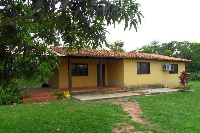 Angebot in Piribebuy, Haus mit 1 Hektar Land