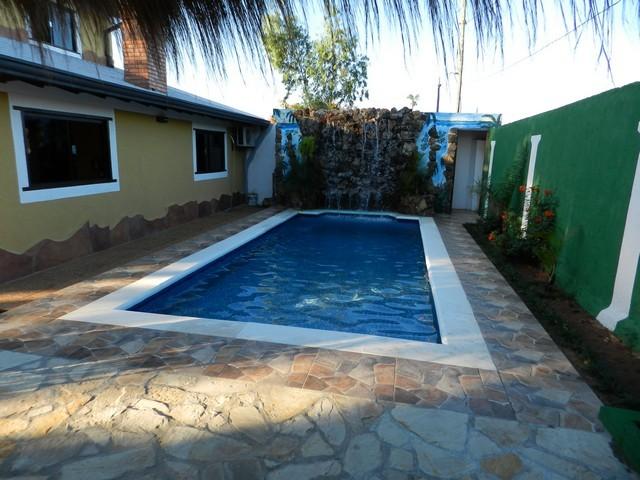 Haus mit Pool, in San Bernardino