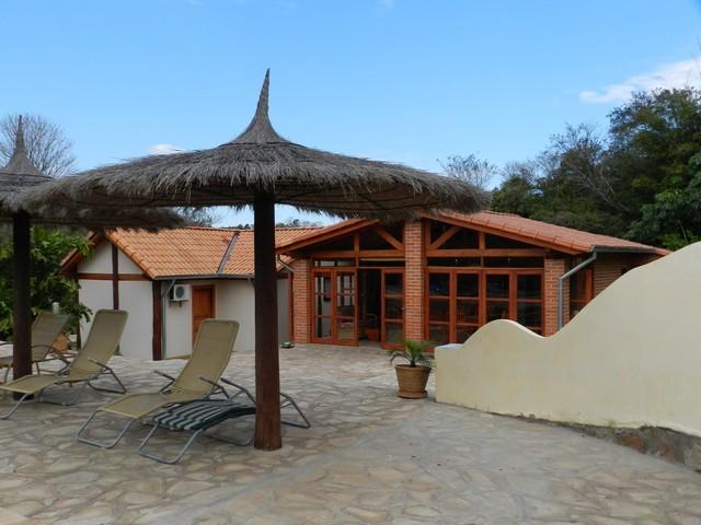 Schönes Anwesen in den Cabañas von Caacupé, mit mehreren Gebäuden
