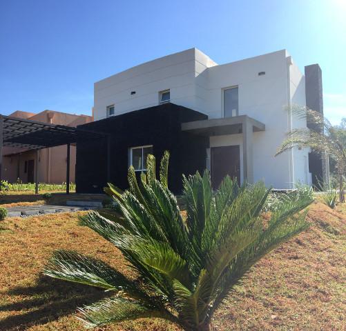 Neue Villa in abgeschlossener Wohnanlage