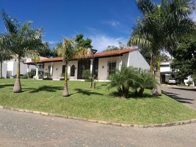 Haus in Luque, in einer abgeschlossenen Wohnanlage, nahe am Flughafen
