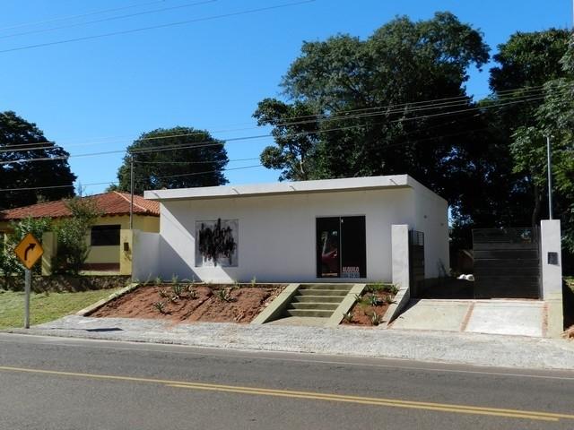 Ladengeschäft mit Grundstück, zwischen San Bernardino und Altos, direkt am Asphalt