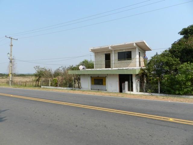 Haus, mit 3 3/4 ha in Pedrozo